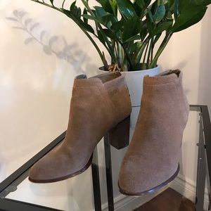 424 fifth / Lord and Taylor Ankle Boots